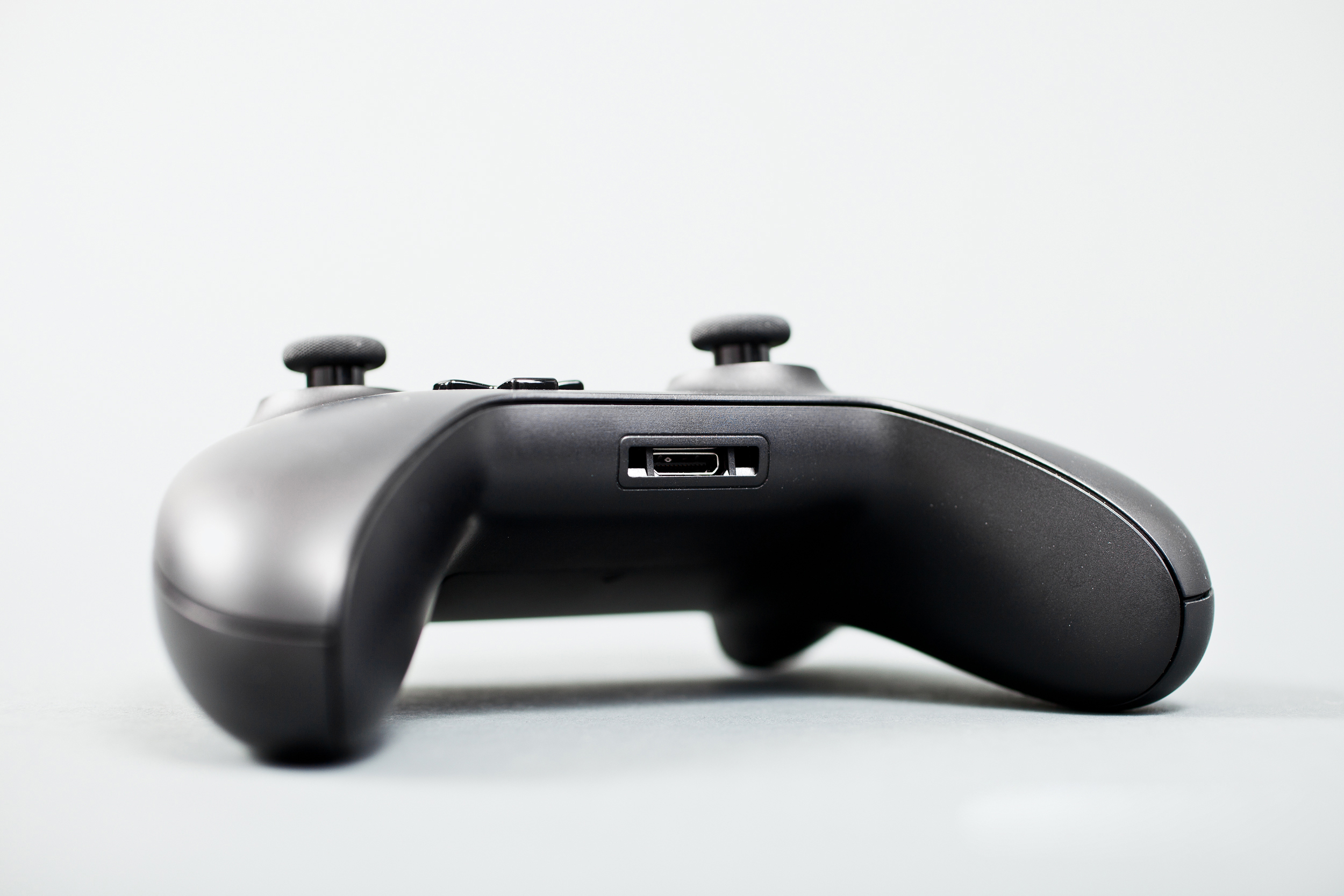 how to hook up second xbox one controller Microsoft devices blog your wi-fi connected surface becomes a remote second screen so you can play in every room connect an xbox one controller to your.